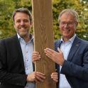 Nach 36 Jahren verabschiedet sich Ewald Fischer(re.) in den verdienten Ruhestand. Mit Gerold Schmidt folgt ein erfahrene Führungskraft aus dem Hause.